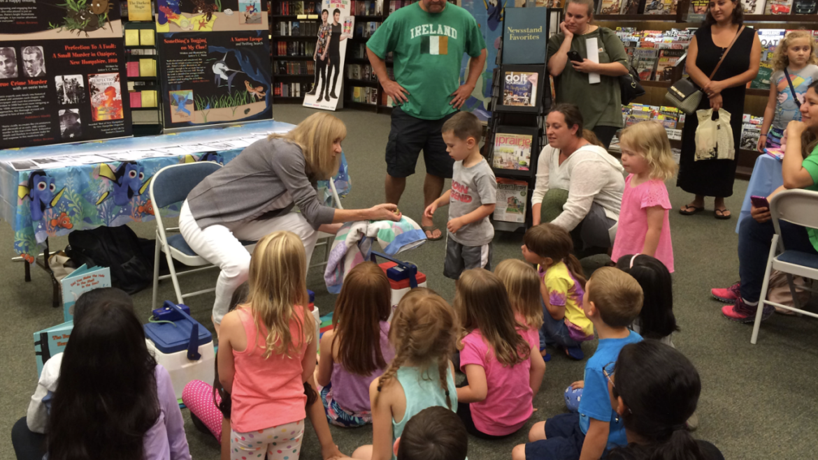 """Introducing """"Did You Make the Hole in the Shell in the Sea?"""" at Barnes & Noble's """"Finding Dory"""" Storytime"""